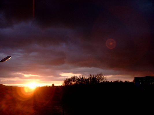 schöner Sonnenuntergang oder Unwetter ?