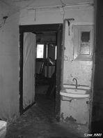 Schöner Wohnen 05, Blick in eine Kellerwohnung