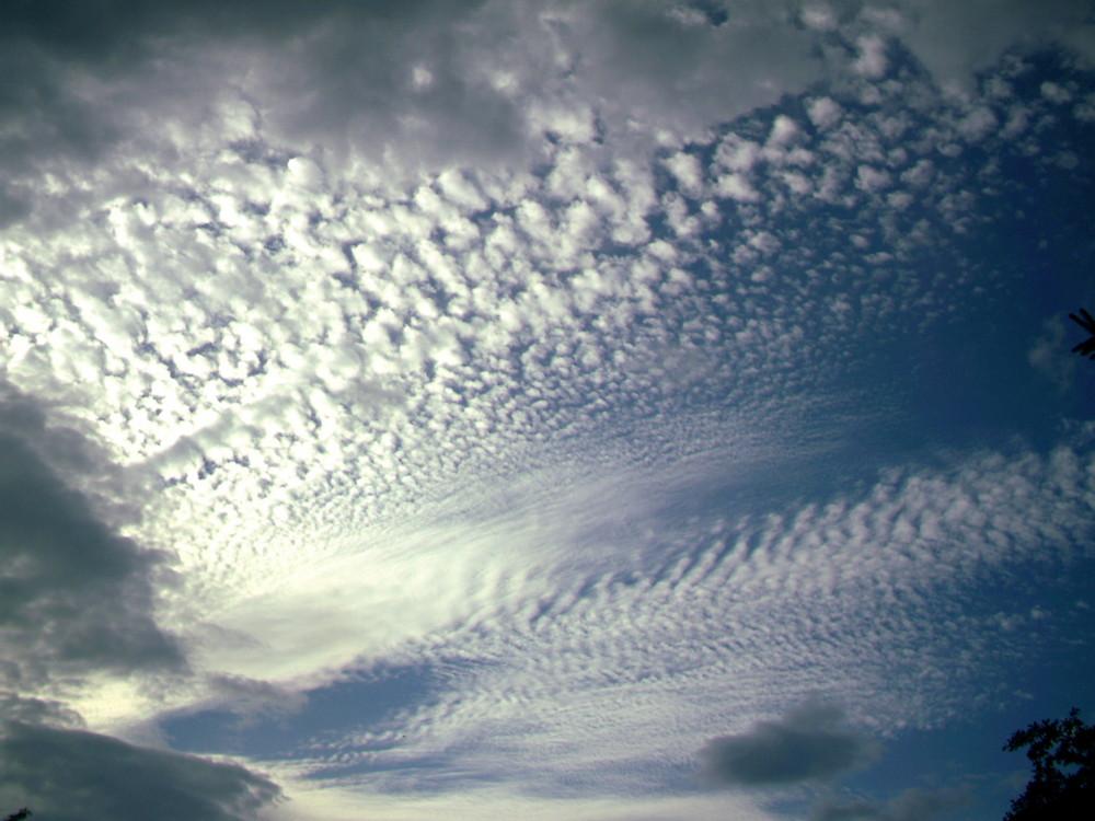 Schönes Muster der Wolken am Himmel