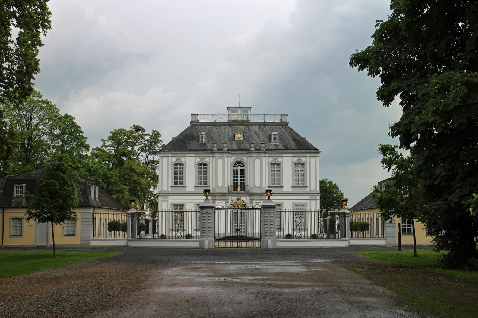 Schönes Schloss Falkenlust