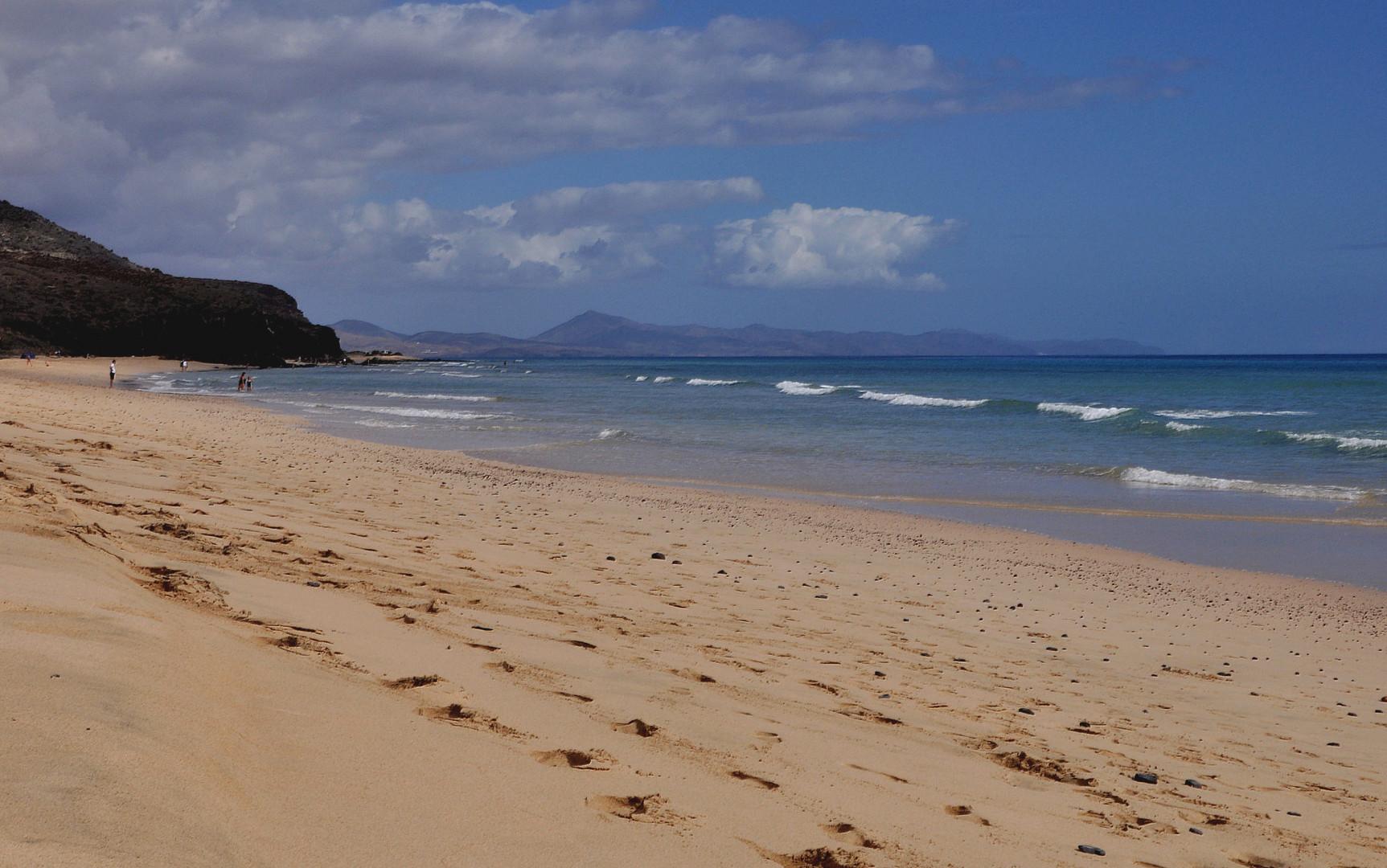 schönes warmes Wasser, weiter Strand....