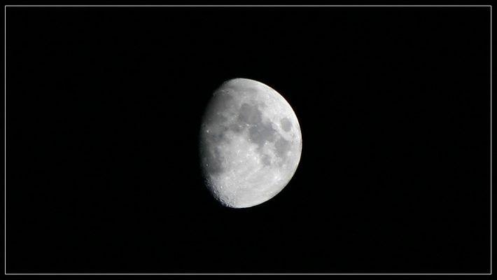 Schon wieder der Mond