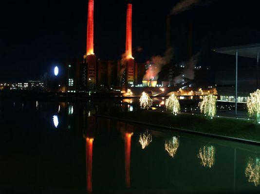 Schornsteine von VW in Wolfsburg zum 2. Advent