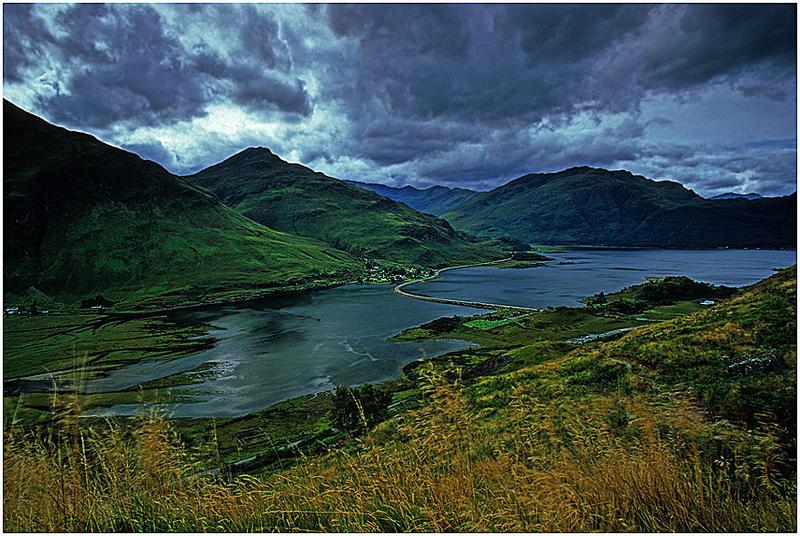 Schottlands Berge und Lochs