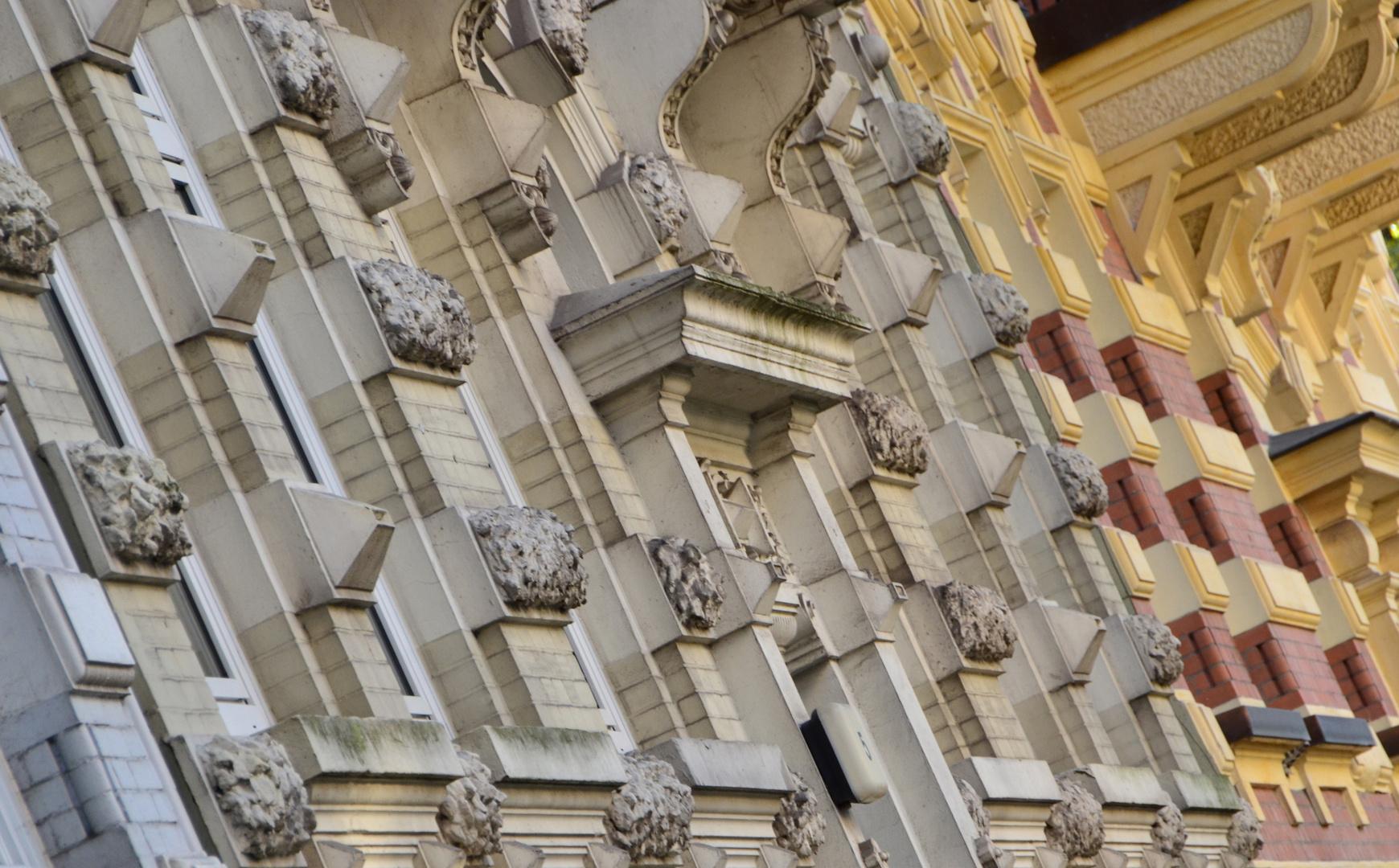 Schräge Fassade