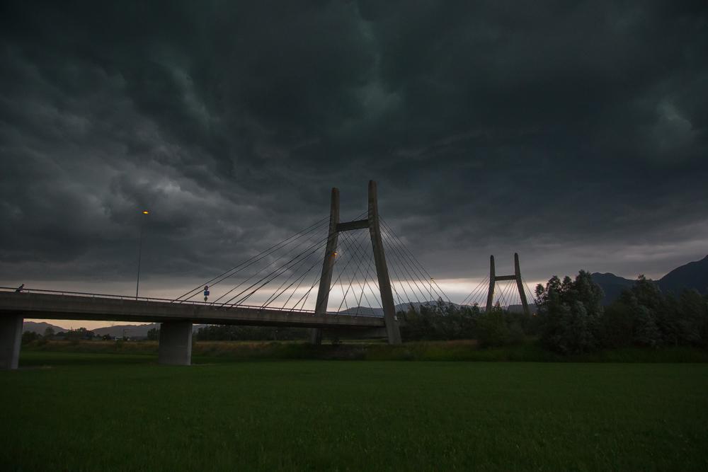 Schrägseilbrücke bei Diepoldsau in Sturmstimmung
