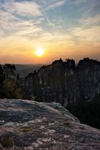 Schrammsteine in der untergehenden Sonne