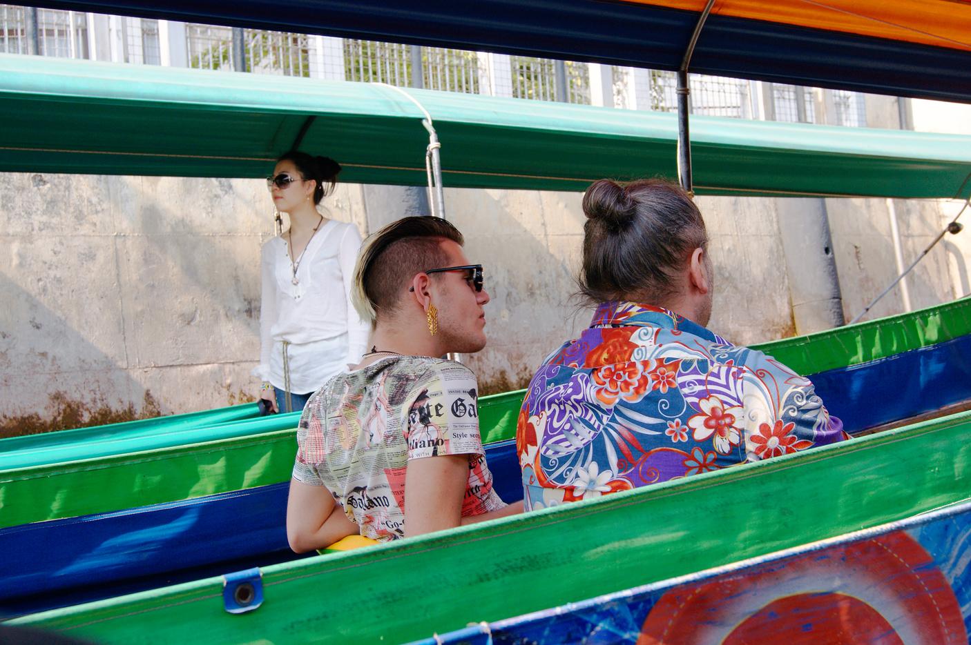Schrilles Paar in Bangkok