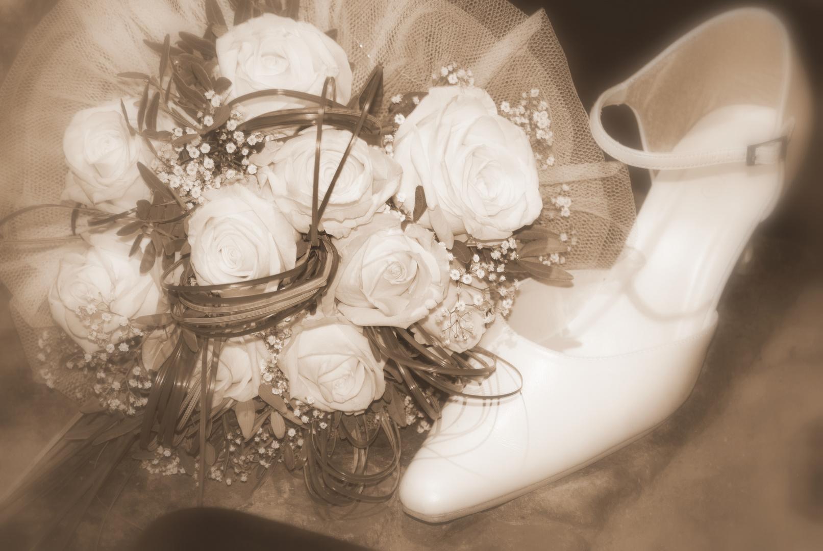 Schuh und Blumen der Braut - Hochzeit vom besten Freund.