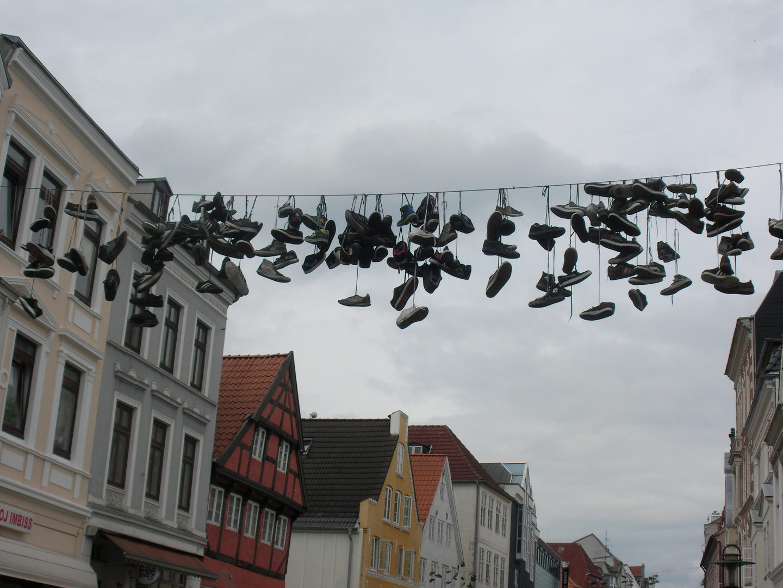 Schuhe an der Leihne
