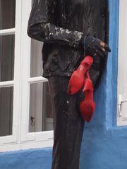 Schuhe muss man tragen können. .