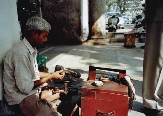 Schuhputzer am Connaught Place, Delhi
