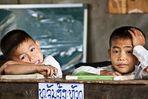 Schulalltag in einem Dorf in Laos