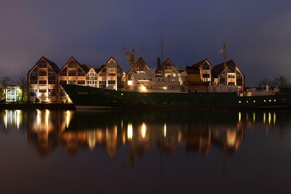 Schulschiff Emsstrom im Leeraner Hafen