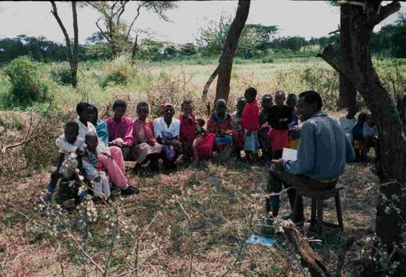 Schulunterricht bei den Massai in Kenia