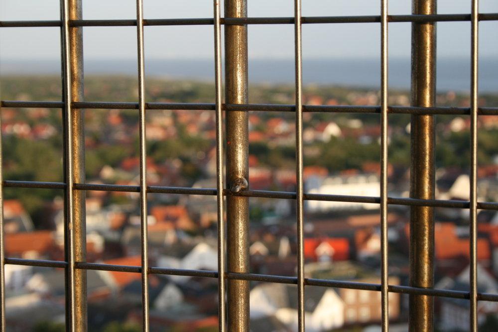 Schutzgitter auf dem neuen Leuchtturm auf Borkum