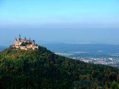 Schwäbische Alb, Burg Hohenzollern in der Herbstsonne