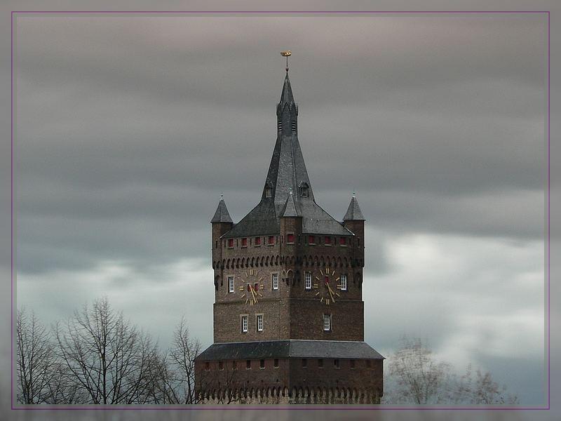 Schwanenburg im Advent