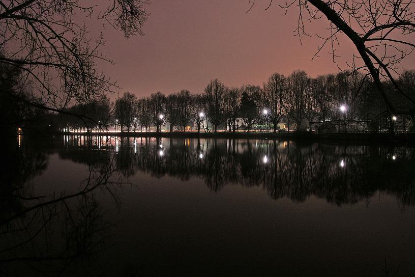 Schwanenteich bei Nacht