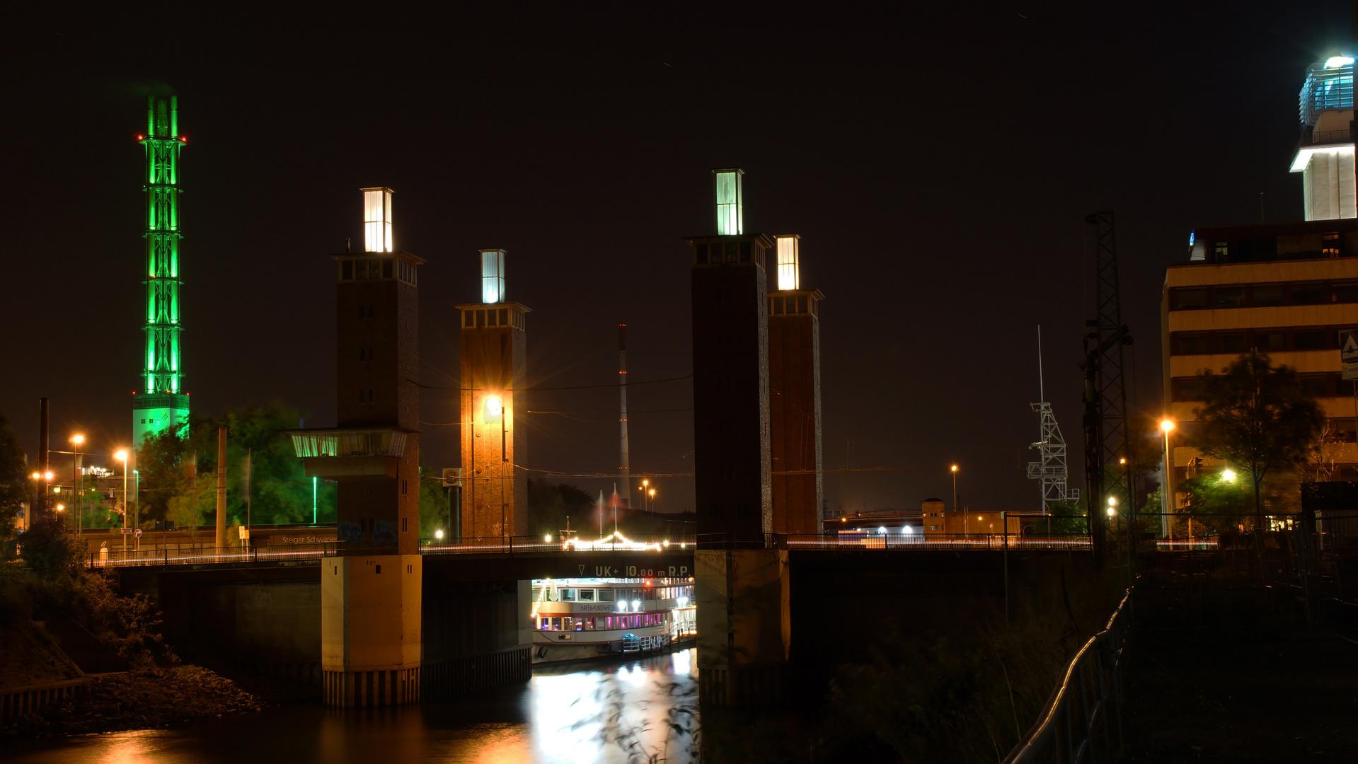 Schwanentorbrücke Duisburg