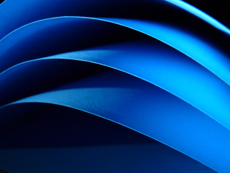 Schwarz zu Blau