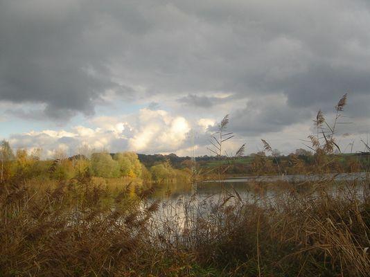 Schwarzachtalsee mit Wolken