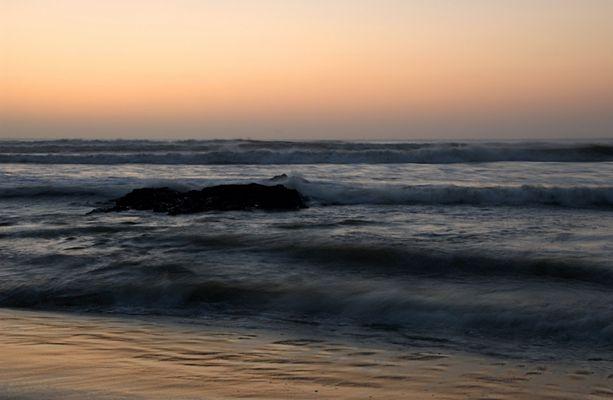 Schwarze Felsen am Cape Cross