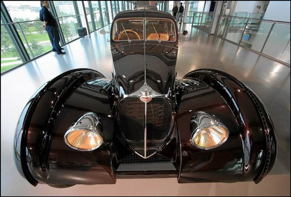 Schwarzer Bugatti