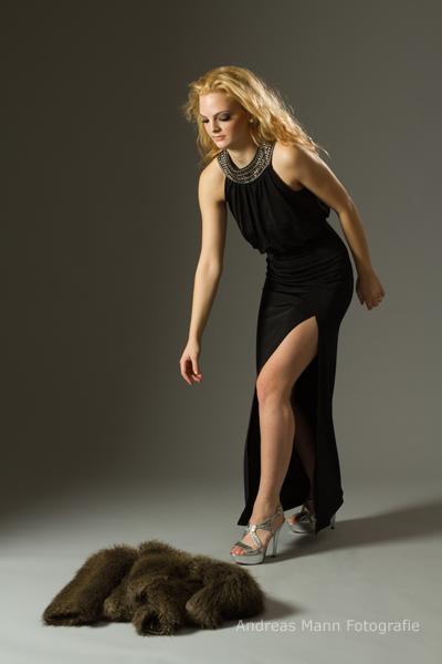 Schwarzes Abendkleid 2