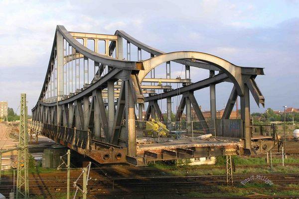 Schwebende Brücke
