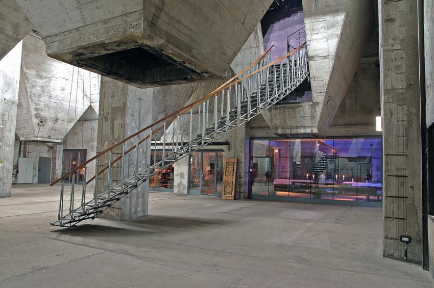 schwebende treppe auf zollverein foto bild motive. Black Bedroom Furniture Sets. Home Design Ideas