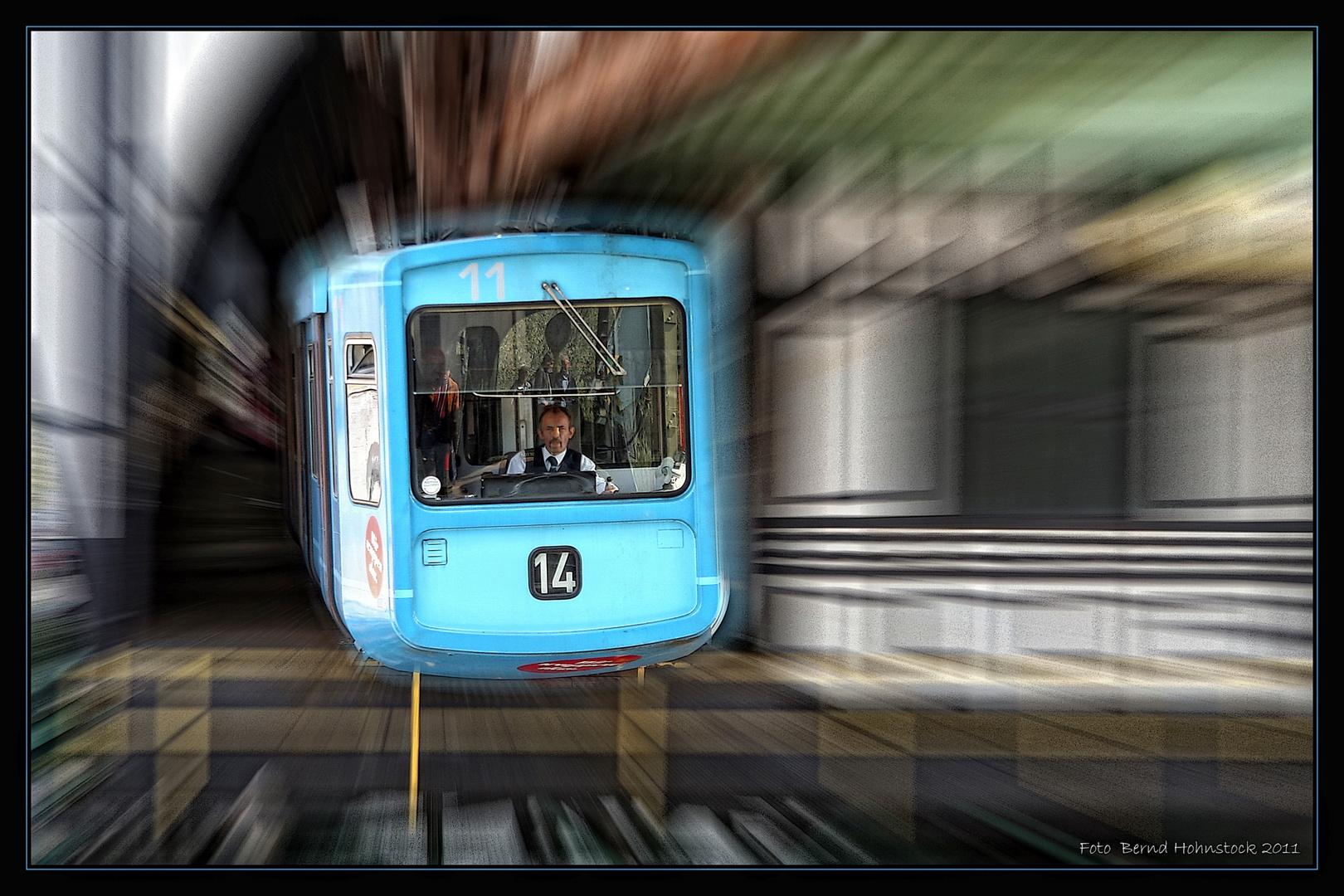 Schwebene Bahn .... die 14