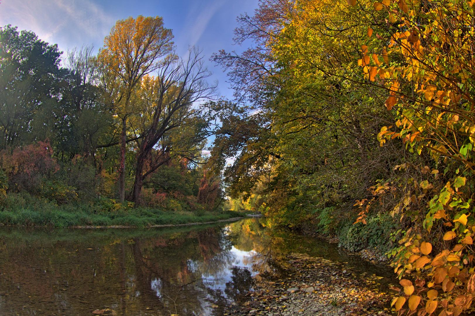 Schwechatau im Herbst ( HDR )