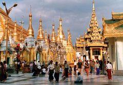 Schwedagon Pagode-das prunkvollste buddhistische Heiligtum