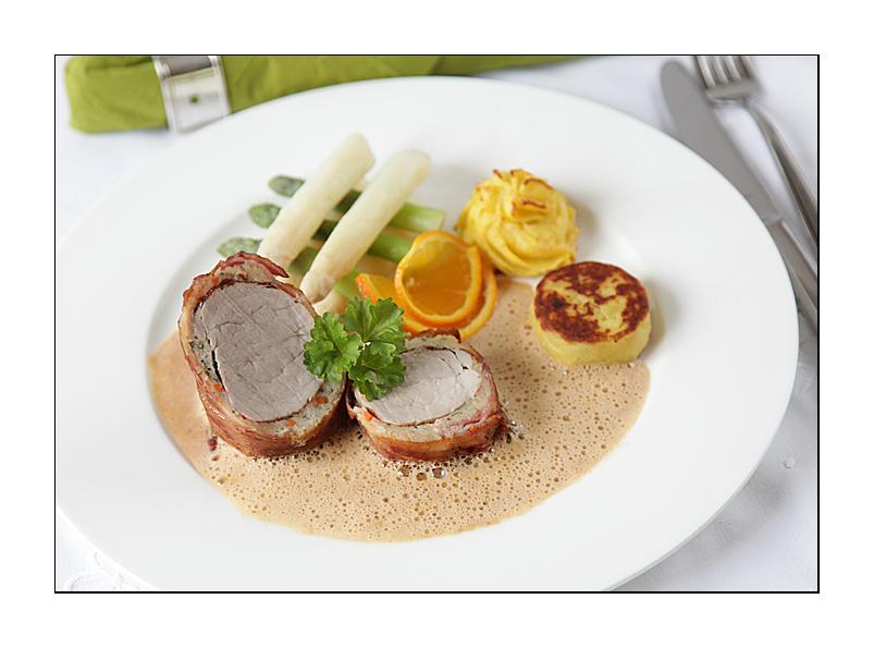 Schweinefilet im Brotmantel mit Klabsbrät