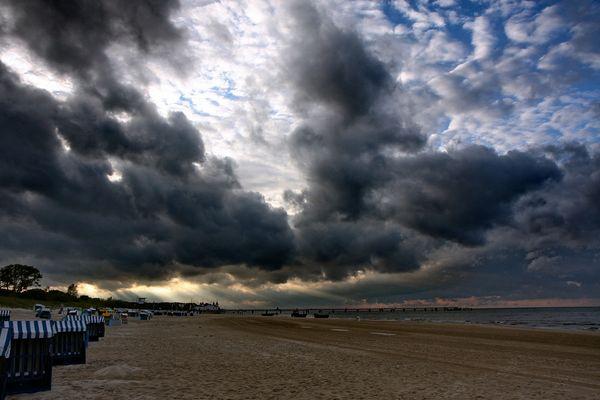 Schwere Wolken
