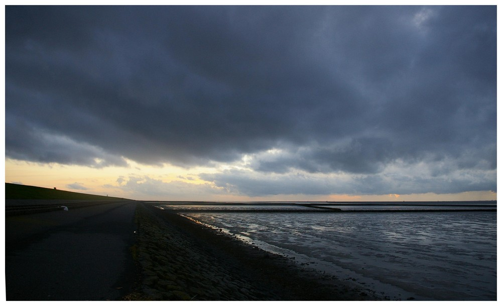 """"""" Schwere Wolken """" im Anmarsch........"""