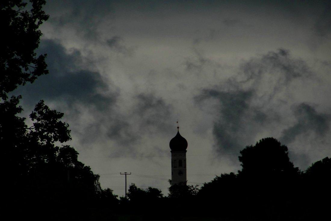 """""""Schwerer Himmel"""", Straußdorf, 23.06.2011"""