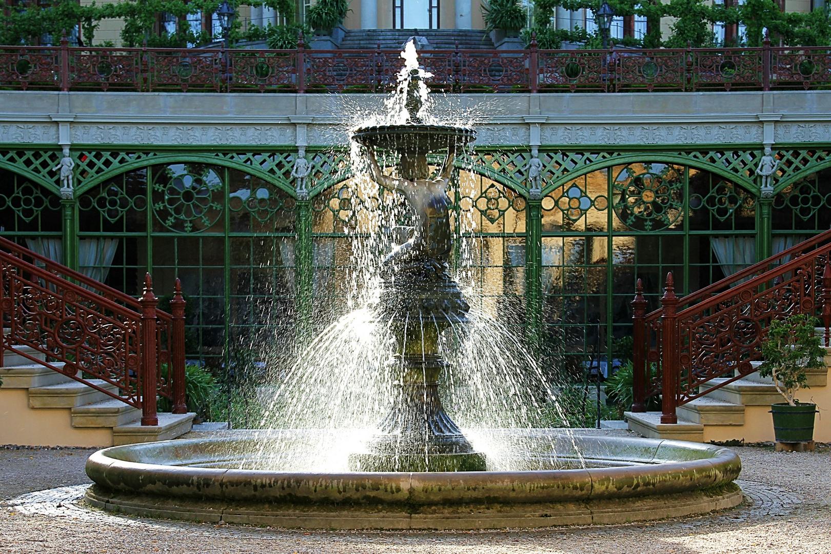Schwerin ... im Burggarten des Schlosses
