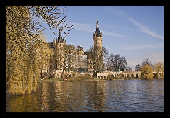 Schweriner Schloss im März