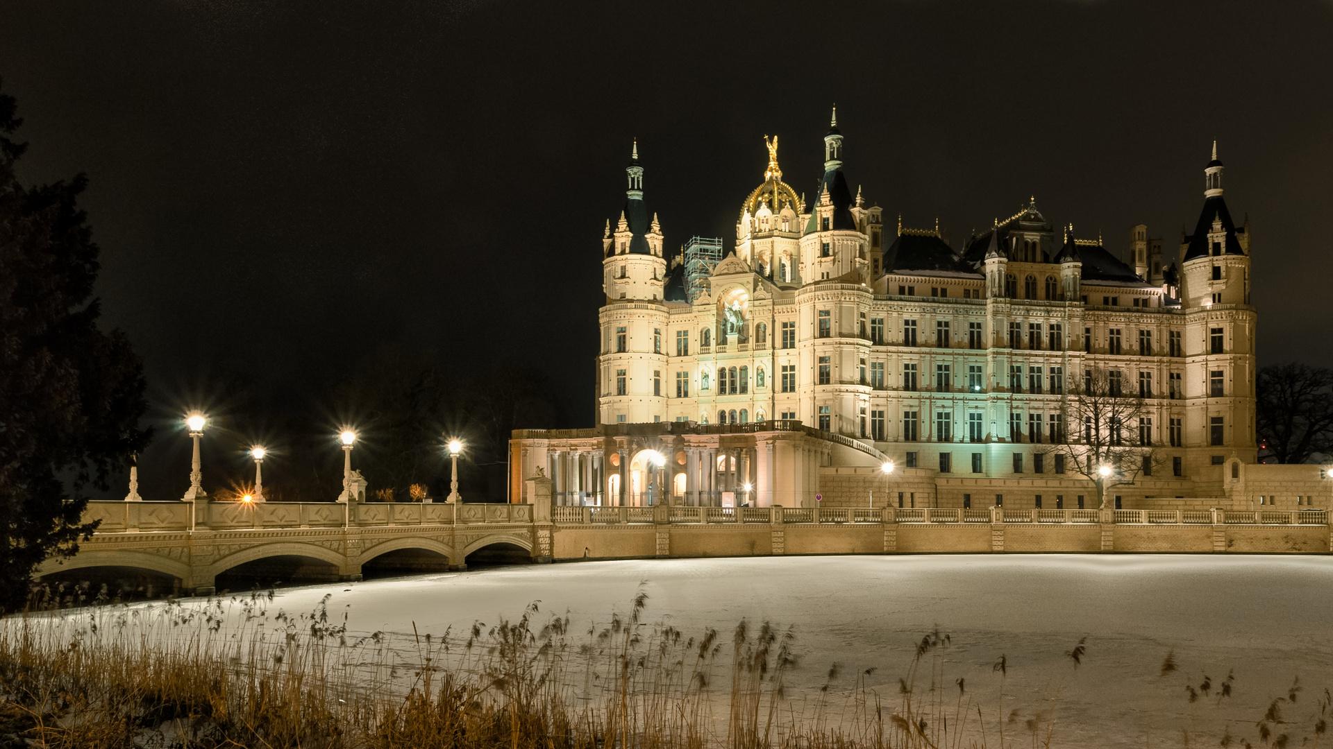 Schweriner Schloß noch schöner bei Nacht *RELOADED*