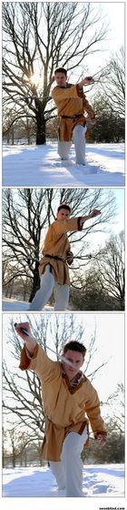 Schwertkampfstudien im Schnee