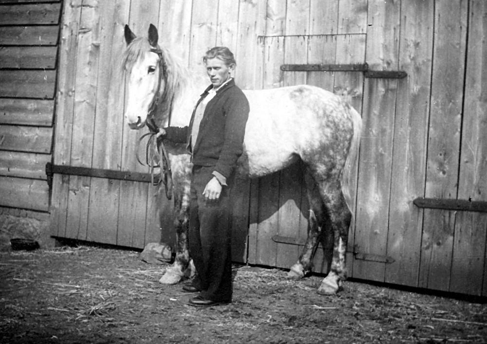Schwiegervater mit Pferd