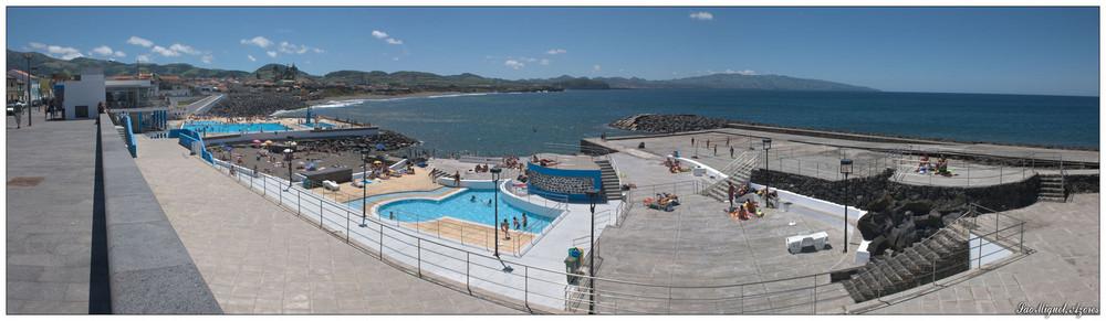 Schwimmbad in Ribeira Grande (Sao Miguel, Azoren)