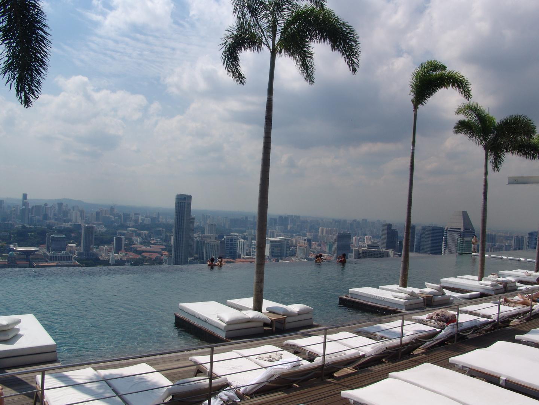 Schwimmen im Marina Bay Sands, Singapur
