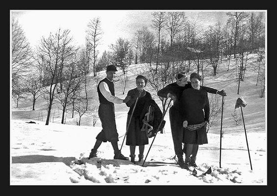 Sciatori con fidanzate - anni '30