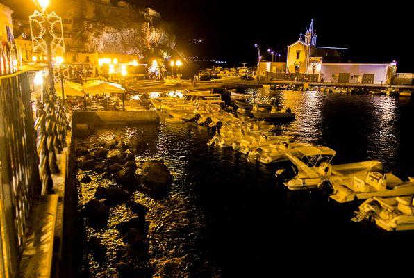 Scorcio porto Marina corta Lipari notturno
