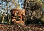 Sculpture bois dans un corps creux
