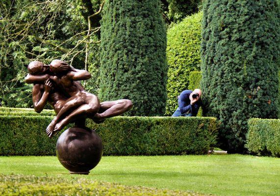 Sculpture by Eddy Rose in garden Borg Verhildersum
