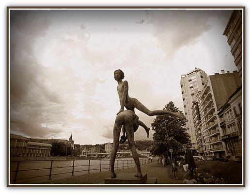 Sculpture l'envol de René Julien à Liège